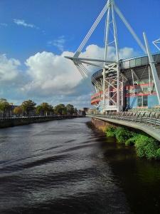 Sebelah stadium Rugby sebelah sungai. Sebelah tu lah rumah sewa saya.